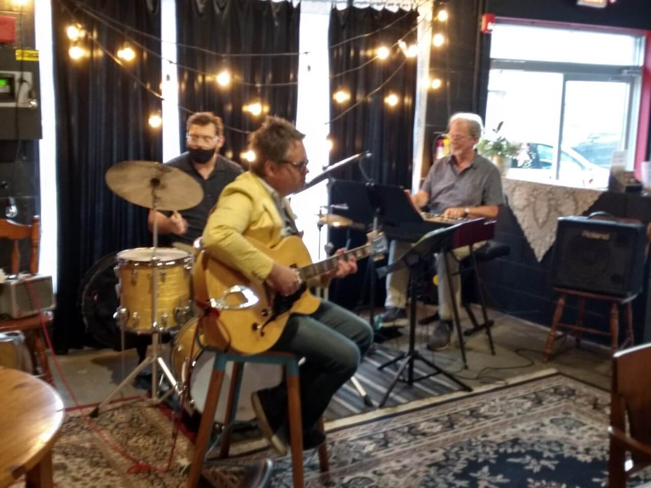 Charlie Apicella & Iron City at 3BR Distillery